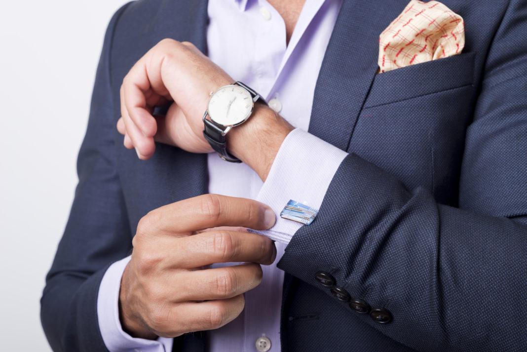 7 avantages de l'adoption d'un code vestimentaire d'entreprise sur votre lieu de travail.